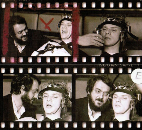 Stanley-Kubrick-sdfsdMalcolm-McDowell-on-the-set-of-A-Clockwork-Orange-1