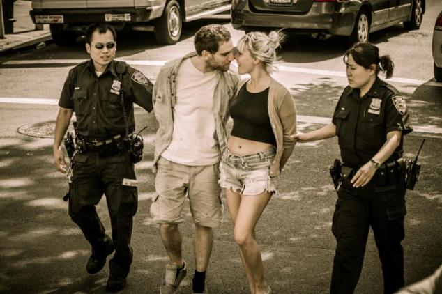 kissing-arrested-couple__121011205414