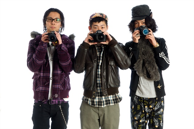 180_1resized___three_hip_asian_guys_with_cameras